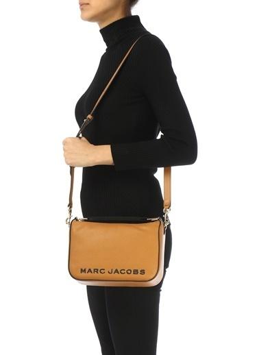 Marc Jacobs Marc Jacobs  Logolu Kadın Deri Omuz Çantası 101620423 Camel